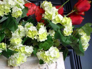 Whiteflowerbasket