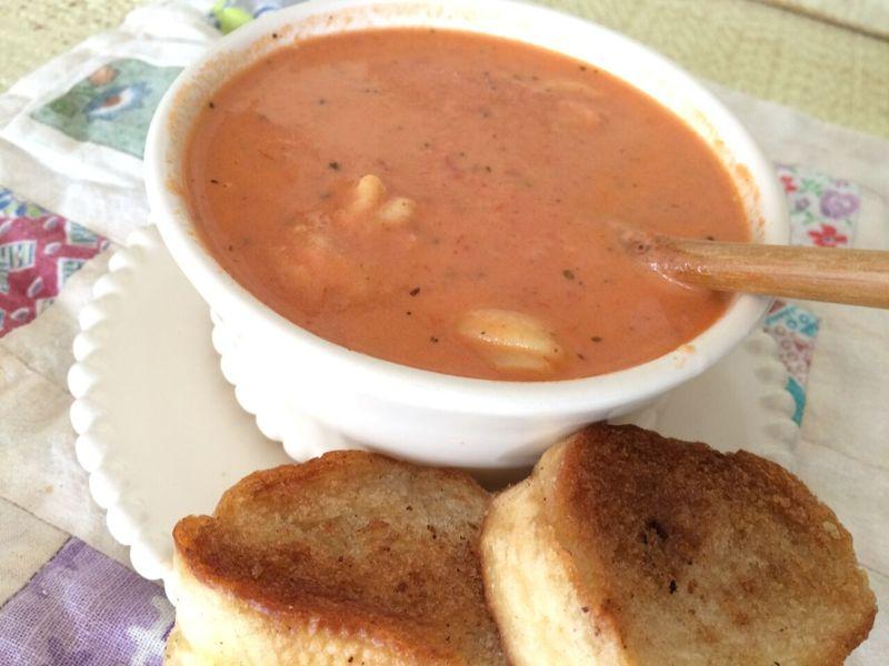 Tomatobasilsoup